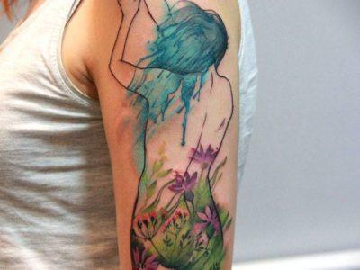 קעקוע צבעי מים גוף אישה