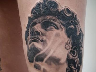 קעקוע דוד ריאליסטי statue of david