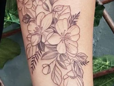 קעקוע גרפי פרחים גרפים עדין יפה נשי